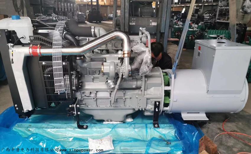 百色交机两台100KW道依茨发电机组-用于电力扶贫
