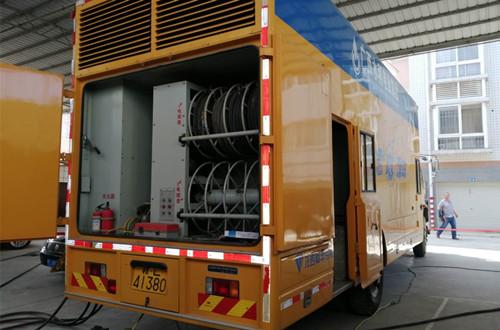 6月21日我司为广西某移动电源发电机组做保养维护