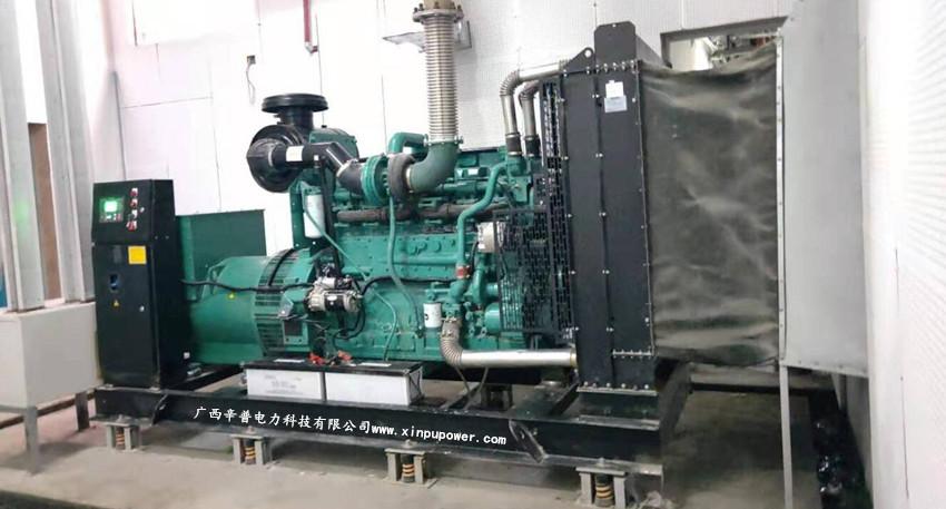 7月8日丁工为广西某酒店调试一台500KW康明斯柴油发电机组